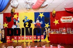 Letter standee of. Mickey Mouse Birthday, 2nd Birthday, Birthday Parties, Letter Standee Design, Sweet Corner, Minions, Party Ideas, Lettering, Second Anniversary