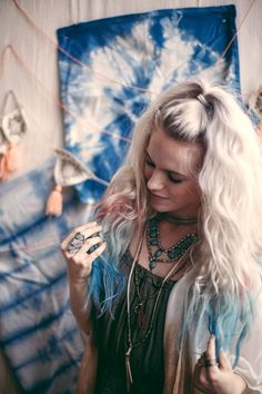 free people blog- how to get perfect festival hair. so from now on I'll be pinning festival pics and inspo rather than just outfit pieces+ideas