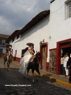 Coffee Break: Una boda Charra... A very Mexican Wedding / Mexican Charro Tapalpa Jalisco Mexico