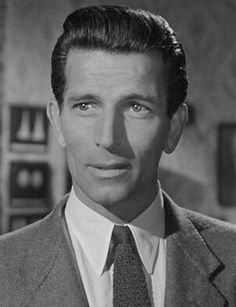 Michael Rennie, actor (Day the Earth Stood Still) Golden Age Of Hollywood, Vintage Hollywood, Hollywood Stars, Classic Hollywood, Hollywood Men, Vintage Glam, Cinema, Marilyn Monroe Photos, Director