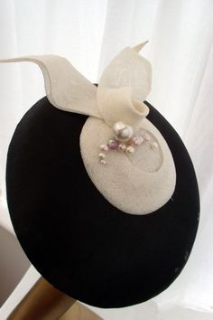 Flat Brimmed Sculptured Sinamay.