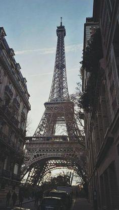 Weed Wallpaper, Paris Wallpaper, London Skyline Tattoo, Francia Paris, Eiffel Tower Lights, Cimorelli, Beautiful Paris, Beautiful Nature Wallpaper, Paris Photos