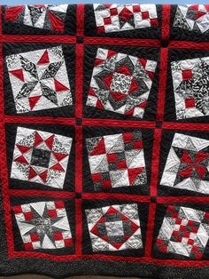 Pieced by Jackie Neidermeier Quilted by Jessica's Quilting Studio