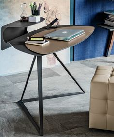 STORM Tanned leather secretary #desk by Cattelan Italia | #design Andrea Lucatello
