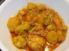 Carp Curry With Potatoes & Cauliflower Florets