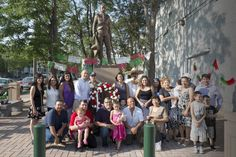 La estatua de Emiliano Zapata ya está firmemente colocada en el sur de Minneapolis