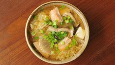 With a little effort, odds and ends of vegetables and fish can be turned into delicious dish of Salmon belly miso soup. Try this recipe here Salmon Belly Recipes, Fish Recipes, Asian Recipes, Soup Recipes, Ethnic Recipes, Miso Soup Ingredients, Quick Fish, Japanese Soup, Bone Soup