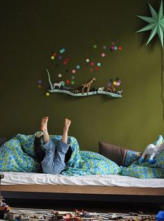 10 Habitaciones infantiles con lunares 10 Kinderzimmer mit Muttermalen The post 10 Kinderzimmer mit Muttermalen & Interior appeared first on Rustic nursery ideas . Casa Kids, Deco Kids, Kid Spaces, Coloring For Kids, Kids Decor, Kids Bedroom, Bedroom Wall, Master Bedroom, Bedroom Decor