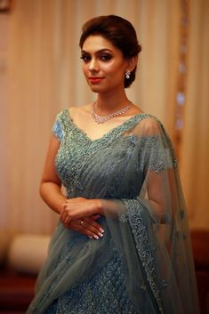 17 Fancy & Glam Neckline Designs for All Your Bridal Outfits Sari Blouse Designs, Fancy Blouse Designs, Bridal Blouse Designs, Lehenga Designs, Blouse Patterns, Dress Designs, Mehndi Designs, Indian Wedding Outfits, Bridal Outfits