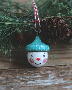 Hand Painted Ornaments, Snowman Ornaments, Painted Christmas Ornaments, Holiday Ornaments, Acorn Crafts, Fall Crafts, Holiday Crafts, Crafts For Kids, Holiday Ideas
