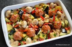 cum se fac chiftele la cuptor pe pat de legume Kung Pao Chicken, Baby Food Recipes, Sprouts, Potato Salad, Zucchini, Potatoes, Vegetables, Eat, Ethnic Recipes