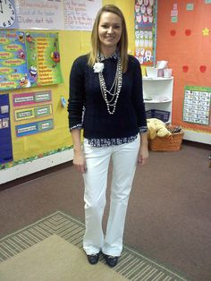 Elegant Outfits ideas for Teachers - Whenever people think of teachers the first image that comes to mind is the formal suit, and hair scraped back, but with summer coming in nicely it is time to tone down the formality and go casual. Preppy Outfits, Curvy Outfits, Winter Teacher Outfits, Teacher Wardrobe, Teaching Outfits, Outfit Trends, Outfit Ideas, Outfit Posts, Elegantes Outfit