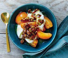 75 snacks under 200 calories: Nectarine Crunch Yogurt = 152 calories