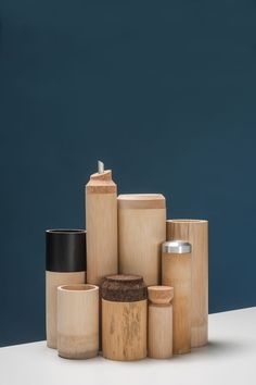 bamboo kitchenware (samy rio eco-friendly kitchen ideas in minimalistic style. Bamboo Crafts, Wooden Crafts, Diy And Crafts, Bamboo Cups, Bamboo Lamp, Top Furniture Stores, Bamboo Design, Bamboo Furniture, Sustainable Design