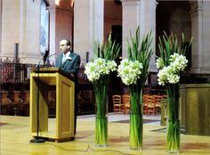 Church Flower Arrangements, Floral Arrangements, Church Decorations, Wedding Decorations, Holy Week, Funeral Flowers, Home Decor Shops, Great Memories, Kirchen