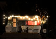 i have this weird desire to live in a trailer for awhile.