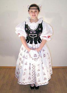 czech costumes - Google Search Folk Clothing, Historical Clothing, Folk Costume, Costume Dress, Costumes Around The World, Beautiful Costumes, Ethnic Dress, Ethnic Fashion, Folklore