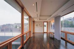 연하당/방철린 Transparency room of 3rd floor for the view of the house adjoining in the back. Yunha-Dang  (煙霞堂) Residence by Bang, Chul-rin /Architect Group CAAN