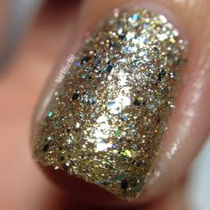 Macro of SuperChic Lacquer Chronicles of Dreamcatcher without top coat in direct light @wonderbeautypro