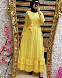 New hijab trends have just popped up few weeks ago; and they are just rocking the street fashion. First of all we will talk about the most popular colors that Abaya Fashion, Muslim Fashion, Fashion Dresses, Hijab Trends, Girls Maxi Dresses, Abaya Designs, Muslim Dress, African Fashion, Clothes For Women