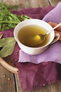 El caldo depurativo que te ayudará a adelgazar Detox Recipes, Soup Recipes, Healthy Recipes, Healthy Food, Caldo Detox, Jessica Pearson, Beauty Detox, Detox Salad, Body Detox