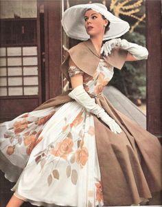 Mode Vintage et Glam Moda Retro, Moda Vintage, Vintage Mode, Vintage Hats, Vintage Style, Retro Vintage, Vintage Glamour, Vintage Beauty, 50s Glamour
