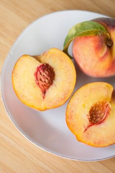 How To Pick a Perfect Peach — The Kitchn