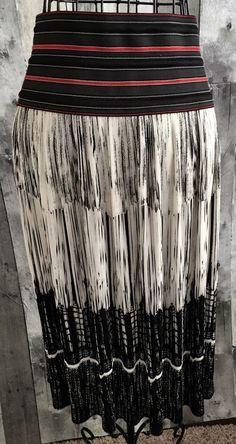 Vivienne Tam Skirt Accordion Pleat Geometric Stripe Print Black Red White Size 0 #VivienneTam #Pleated