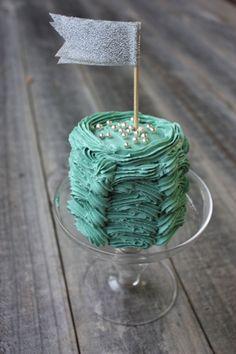 use 2 cupcakes to make a mini cake!