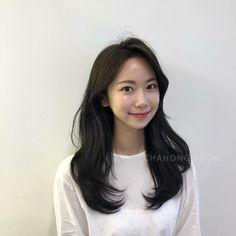 Plaits Hairstyles, Cute Hairstyles, Korean Long Hair, Medium Hair Styles, Long Hair Styles, About Hair, Cut And Color, Hair Goals, Hair Inspiration