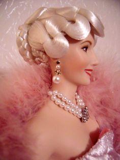 Eva Peron / Evita doll by The Franklin Mint, profile.