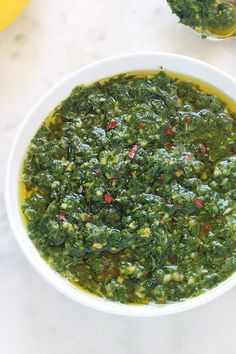 Chermoula (recette de sauce et marinade marocaine) - Expolore the best and the special ideas about Fast recipes Barbacoa, Mayonnaise, Morrocan Food, Cooked Chicken Recipes, Marinade Sauce, Juicer Recipes, Pesto Sauce, Vegetable Salad, Easy Healthy Recipes