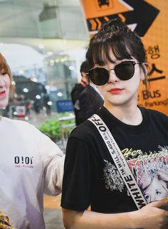 """""""this wenseul got me feel something so hard like what is happening between them here why there is so much tension"""" South Korean Girls, Korean Girl Groups, Kang Seulgi, Red Velvet Seulgi, Velvet Fashion, Airport Style, Airport Fashion, Hey Girl, Peek A Boos"""
