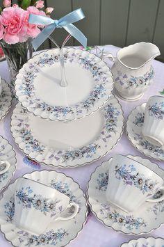 Silver and Blue Vintage Tea Set and Cake Stand️PM Tea Sets Vintage, Vintage Dishes, Vintage China, Vintage Teacups, Vintage Party, Tea Cup Saucer, Tea Cups, China Tea Sets, Teapots And Cups