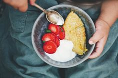 Fat almond pancake // Green Kitchen Stories (So good. I already have made it several times!)