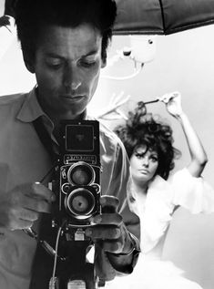 Self-portrait: Richard Avedon and Sophia Loren, NY 1966.