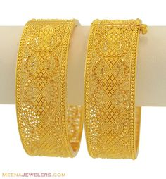 The Bangles. Trendy, chic, ethnic and daily wear you will find a pair of bangles for all occasions. Treat yourself to something special from our huge collection. Gold Bangles Design, Gold Jewellery Design, Gold Jewelry, Fine Jewelry, Jewellery Uk, Gold Bracelets, Bridal Jewellery, Fashion Jewellery, Jewlery