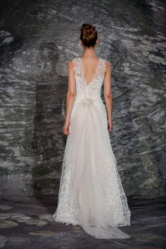 The Jenny Lee gown itself is stunning enough, but we love the traditional layers of tulle made into a bustle at the back.
