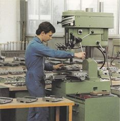 Drilling Machine, Cnc Machine, Machine Tools, Precision Drilling, Electrical Engineering, Milling, Drills, Industrial, Projects