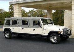 I mean what can you say about a stretch jeep? HELL YES, thats what I say. pic.twitter.com/fEJPmIDjaM #jeepedin