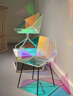 Elise Luttik - Prismania Chair | transparent material with dichroic film produced by 3M