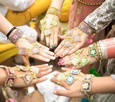 The statement haath-phools Bridal Mehndi, Indian Bridal, Bridal Make Up, Bridal Looks, Haldi Ceremony, Baby Pearls, Mini Roses, Palm Beach Sandals, Indian Dresses