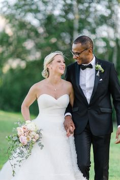 """See the """"How do you honor a stepparent, since there's no set role?"""" in our Ask Martha: Wedding Ceremony Etiquette gallery Miami Wedding, Dream Wedding, Bachelor Wedding, Wedding Ceremony Etiquette, Wedding Outfits For Family Members, Belize Honeymoon, Colorado, Lisa, Martha Stewart Weddings"""