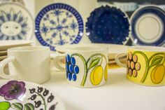 Iittala is a well-known design brand in Finland. The Travel Tester was lucky enough to pay a visit to their factory at Arabia in Helsinki and have a look behind the scenes! Marimekko, Helsinki, Scandinavian Design, Finland, Branding Design, Kitchens, Ceramics, Mugs, Tableware