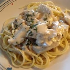 Slow Cooker Italian Chicken Alfredo - I came up with this recipe with ingredients on hand and it instantly became a family favorite! You can even make it using low sodium/fat free/reduced fat ingredients and it still has a wonderful flavor!