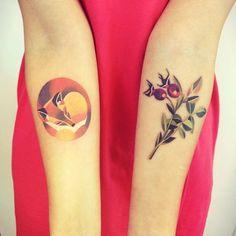 http://tattoomagz.com/sasha-unisex-tattoos/sasha-unisex-tattoo-sleeping-fox-and-berries/