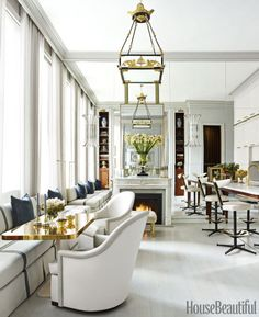 A decorator's chic and luxurious Manhattan apartment!