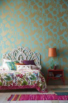 Boho Chic Interior Design - Bohemian Bedroom Design - Josh and Derek Cozy Bedroom, Modern Bedroom, Decor Room, Bedroom Decor, Home Decor, Bedroom Ideas, Beach Bedding Sets, Home Wallpaper, Wallpaper Ideas