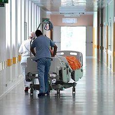 Offerte di lavoro Palermo  Sono 4 mila medici e infermieri autorizzati a non lavorare. Chi è inabile per insonnia chi non può portare pesi. Per i manager è difficile garantire i turni...  #annuncio #pagato #jobs #Italia #Sicilia Gli imboscati della sanità siciliana