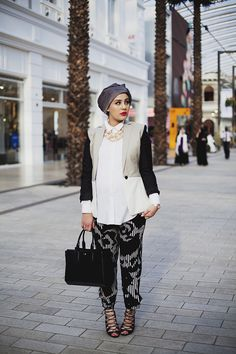 bent single muslim girls Muslim reformer and conservative feminist shireen qudosi dishes on the challenges of dating while muslim the problem with dating as a muslim w.